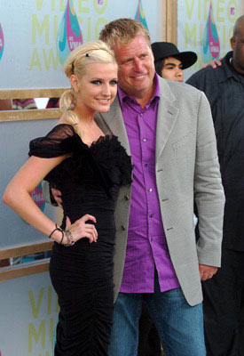 Ashlee Simpson and Joe Simpson (II) MTV Video Music Awards 2005 - Arrivals - 8/28/05