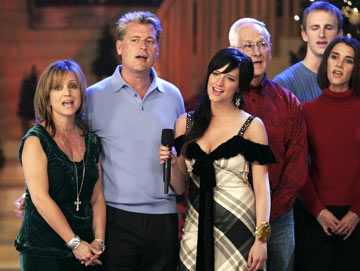 "Tina Simpson, Joe Simpson (II) and Ashlee Simpson ABC's ""Nick & Jessica's Family Christmas"""