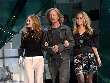 Mary-Kate Olsen, David Spade and Ashley Olsen MTV Video Music Awards - 8/28/2003