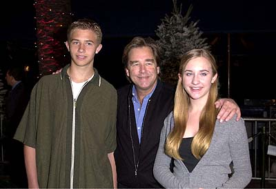 Premiere: Beau Bridges and his family at the Universal Amphitheatre premiere of Universal's Dr. Seuss' How The Grinch Stole Christmas - 11/8/2000