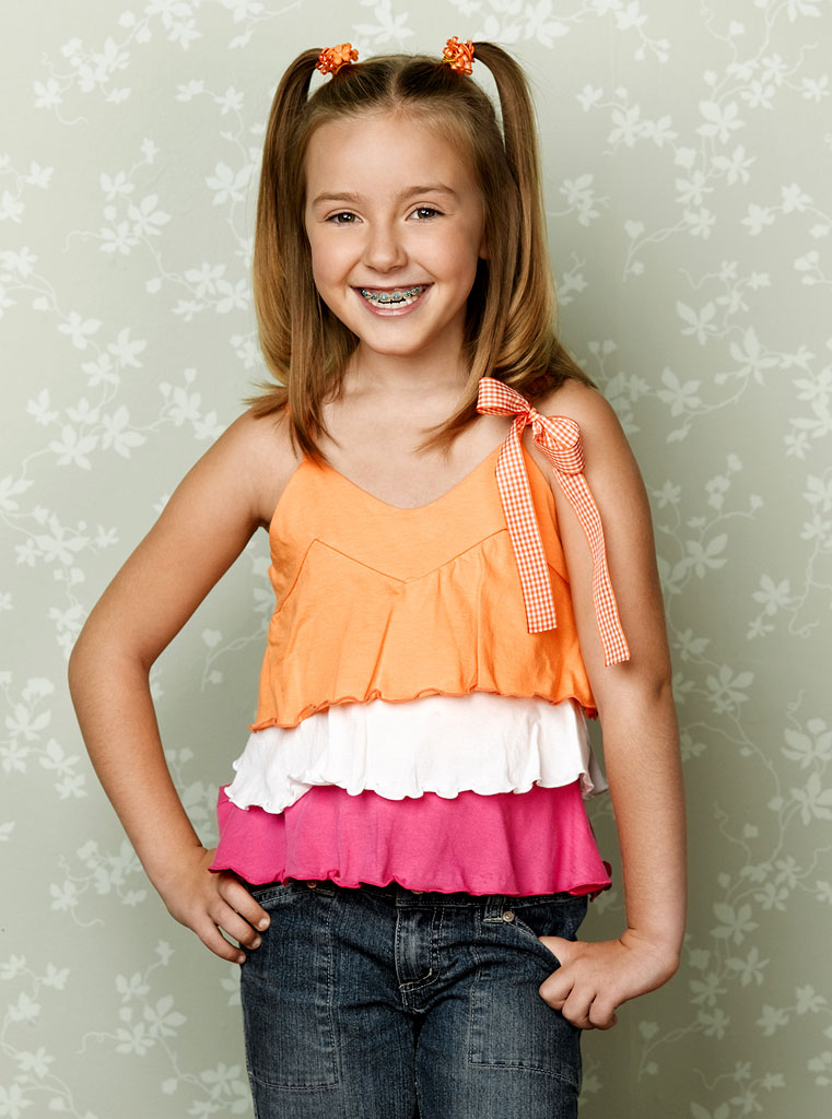 Billi Bruno stars as Gracie in According to Jim on ABC.
