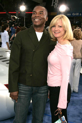 Premiere: David Alan Grier and Bonnie Hunt at the Los Angeles premiere of Twentieth Century Fox's I, Robot - 7/7/2004