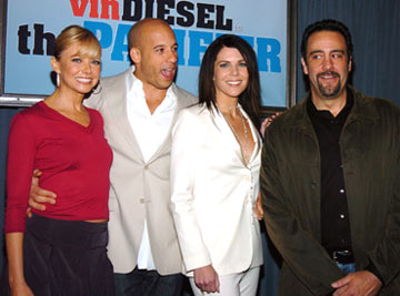 Premiere: Faith Ford, Vin Diesel, Lauren Graham and Brad Garrett at the Hollywood premiere of Walt Disney Pictures' The Pacifier - 3/1/2005