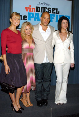 Premiere: Faith Ford, Brittany Snow, Vin Diesel and Lauren Graham at the Hollywood premiere of Walt Disney Pictures' The Pacifier - 3/1/2005
