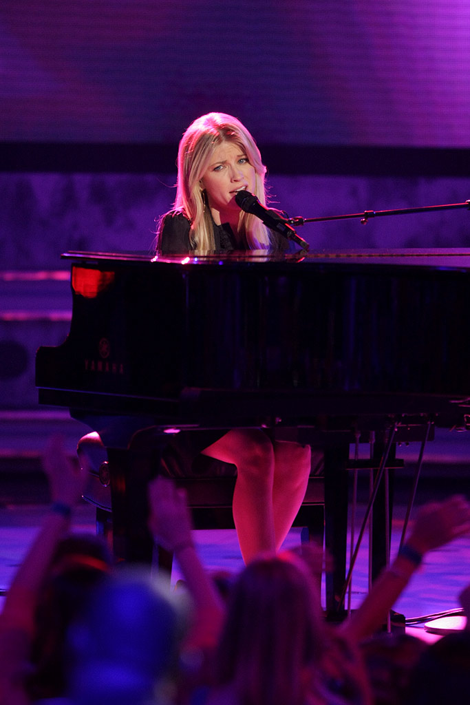 Brooke White performs as one of the top 10 on the 7th season of American Idol.