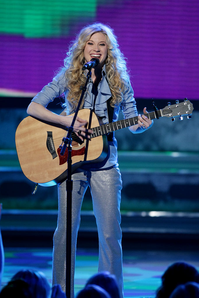Brooke White performs as one of the top 5 on the 7th season of American Idol.