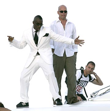 P. Diddy and Bruce Willis MTV Video Music Awards - 8/29/2004