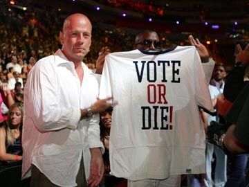 Bruce Willis and P. Diddy MTV Video Music Awards 2004 Show - 8/29/2004