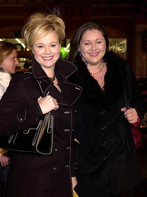 Premiere: Caroline Rhea and Camryn Manheim at the Hollywood premiere of Warner Brothers' The Majestic - 12/11/2001