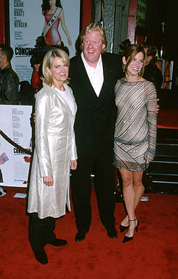 Premiere: Candice Bergen, Donald Petrie and Sandra Bullock at the Hollywood premiere of Warner Brothers' Miss Congeniality - 12/14/2000