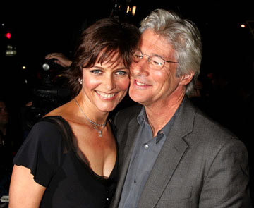 Premiere: Carey Lowell and Richard Gere at the New York premiere of Miramax Films' Shall We Dance? - 10/5/2004 Photos: Jim Spellman, WireImage.com