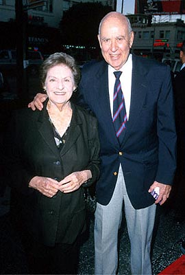 Premiere: Carl Reiner and his wife at the Egyptian Theatre re-release of This Is Spinal Tap - 9/5/2000