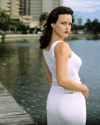 "Carla Gugino as Karen Sisco ABC's ""Karen Sisco"""