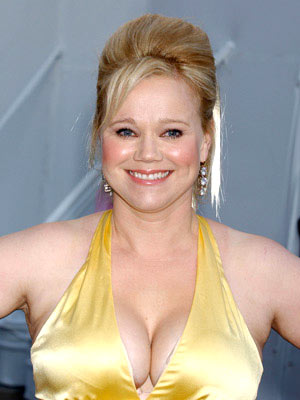 Premiere: Caroline Rhea at the Universal City premiere of Universal Pictures' The Perfect Man - 6/13/2005