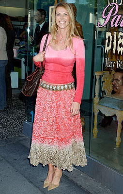 Premiere: Catherine Oxenberg at Kitson in Beverly Hills for Warner Bros. Pictures' House of Wax - 4/21/2005