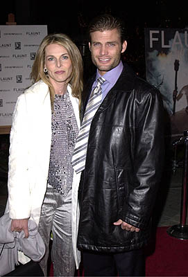 Premiere:  Catherine Oxenberg and Casper Van Dien at the Los Angeles premiere of Paramount Classics' The Gift - 12/18/2000