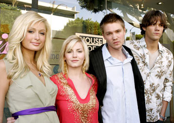 Premiere: Paris Hilton, Elisha Cuthbert, Chad Michael Murray and Jared Padalecki at Kitson in Beverly Hills for Warner Bros. Pictures' House of Wax - 4/21/2005