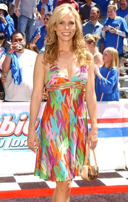 Premiere: Cheryl Hines at the Hollywood premiere of Walt Disney Pictures' Herbie: Fully Loaded - 6/19/2005