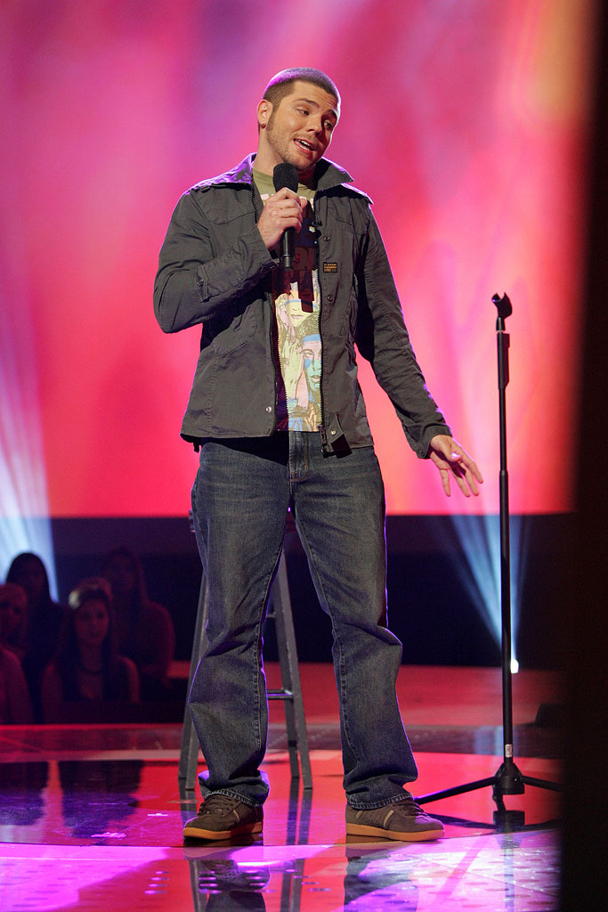 Chris Richardson performs in front of the judges on the 6th season of American Idol.