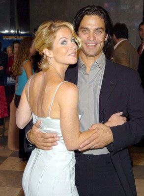 Premiere: Christina Applegate and Johnathon Schaech at the New York premiere of Dreamworks' Anchorman - 7/7/2004