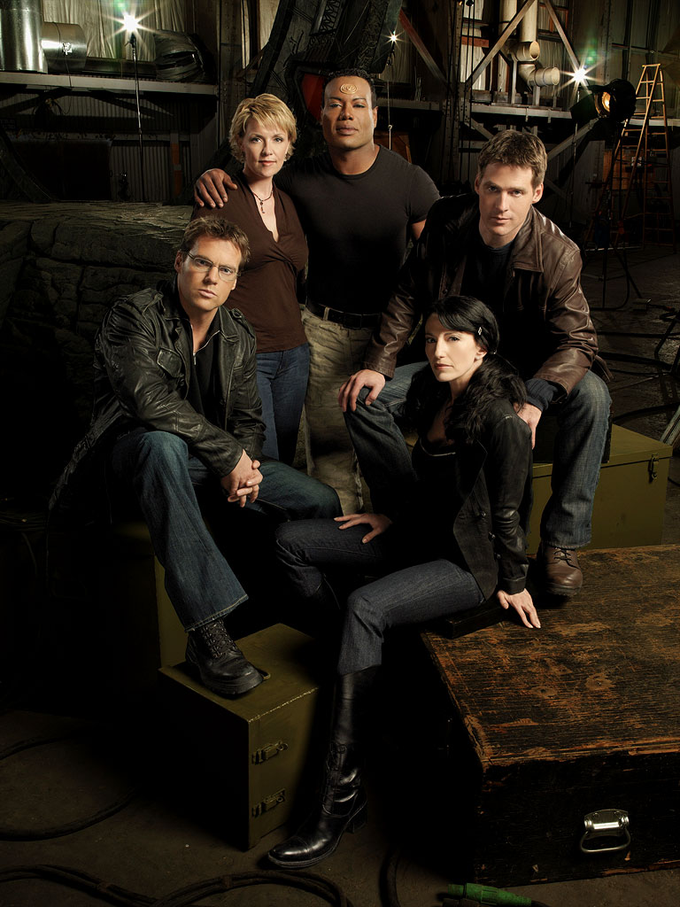 Michael Shanks, Amanda Tapping, Christopher Judge, Ben Browder, and Claudia Black all star in Stargate SG1.
