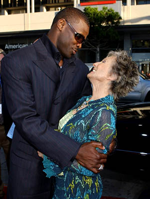 Premiere: Michael Irvin with Cloris Leachman at the Hollywood premiere of Paramount Pictures' The Longest Yard - 5/19/2005