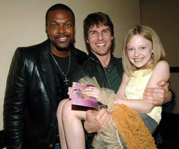Chris Tucker, Tom Cruise and Dakota Fanning MTV Movie Awards 2005 - Backstage Los Angeles, CA - 6/4/05