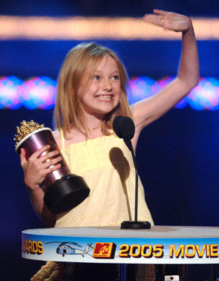 "Dakota Fanning, winner - ""Best Frightened Performance"" MTV Movie Awards 2005 - show Los Angeles, CA - 6/4/05"