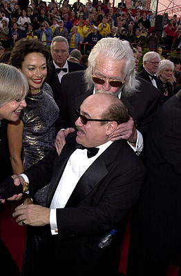 James Coburn kissing Danny DeVito's head 73rd Academy Awards Los Angeles, CA  3/25/2001