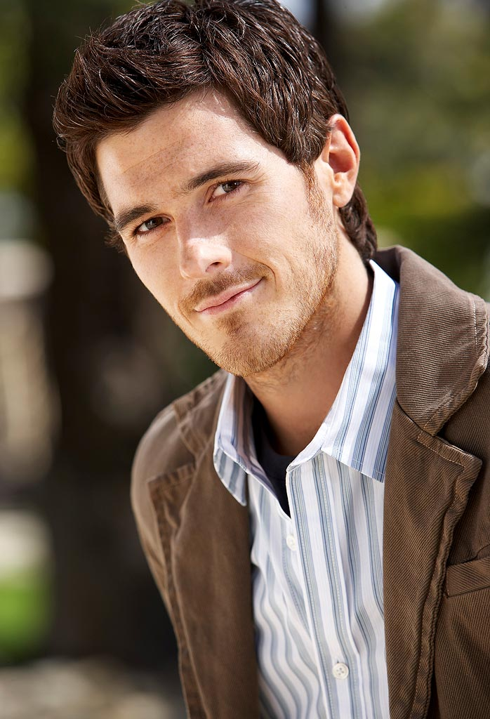 Dave Annable stars as Justin Walker on the ABC Television Network's Brothers & Sisters