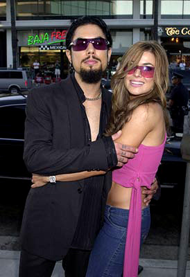 Premiere: Dave Navarro and Carmen Electra at the Los Angeles premiere of Miramax's The Others - 8/7/2001