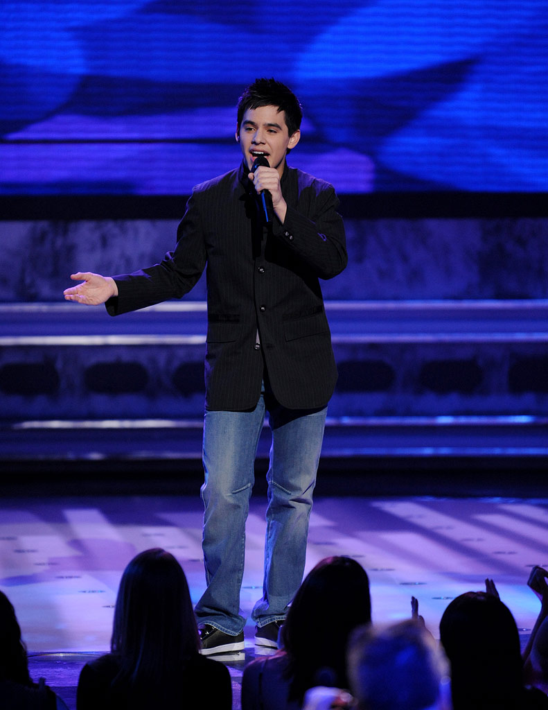 David Archuleta performs as one of the top 12 on the 7th season of American Idol.