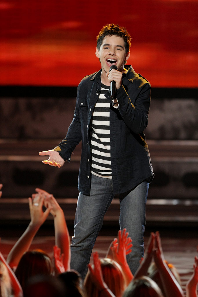 David Archuleta performs as one of the top 5 on the 7th season of American Idol.
