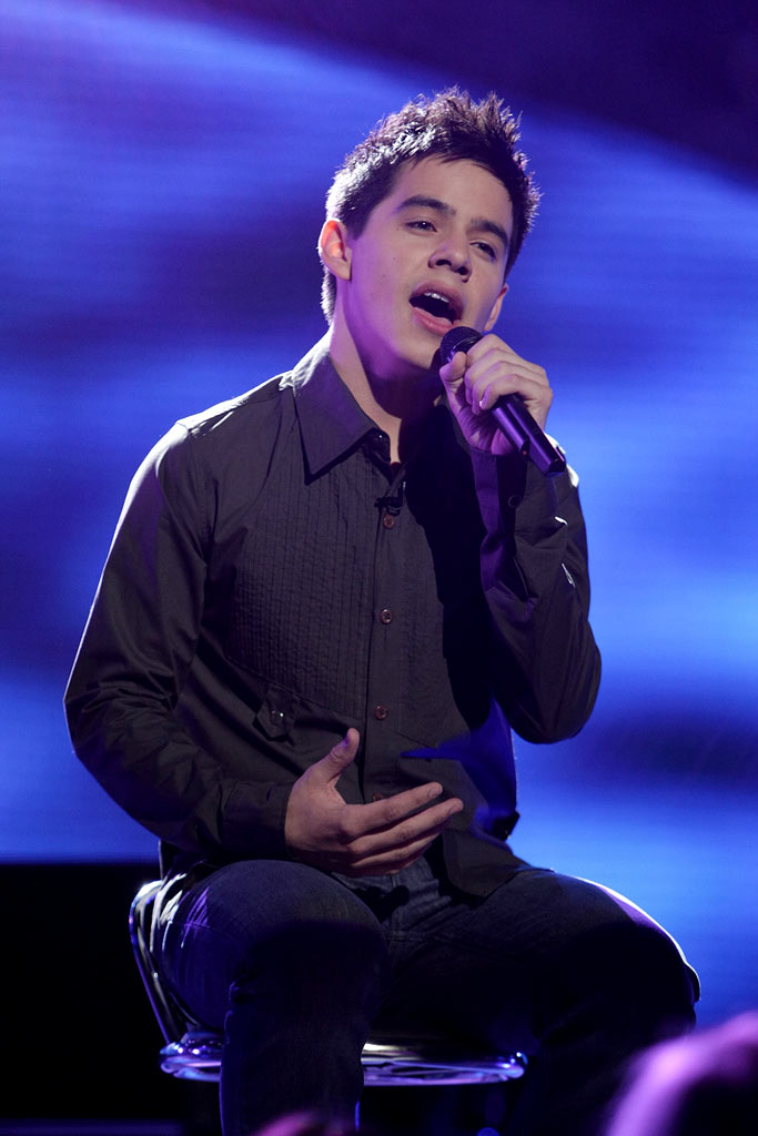 David Archuleta performs as one of the top 4 on the 7th season of American Idol.
