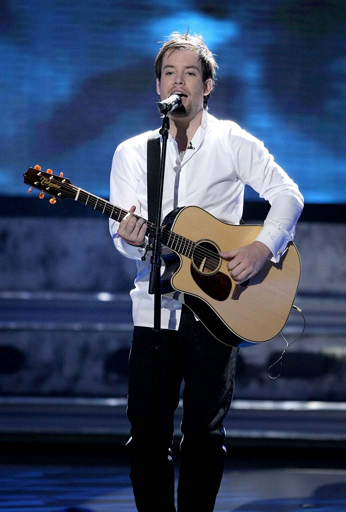 David Cook performs as one of the top 9 on the 7th season of American Idol.