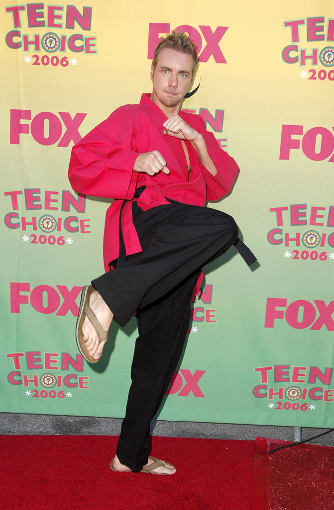 Dax Shepard arrives at the  2006 Teen Choice Awards at the Gibson Amphitheatre at Universal City, California on August 20, 2006.