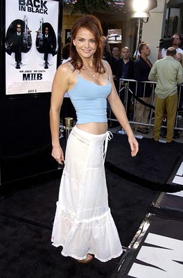 Premiere: Dina Meyer at the LA premiere of Columbia's Men in Black II - 6/26/2002