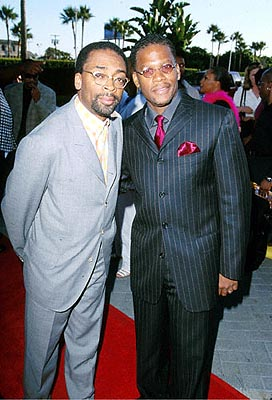 Premiere: Spike Lee and D.L. Hughley at the Hollywood premiere of Paramount's The Original Kings of Comedy - 8/10/2000