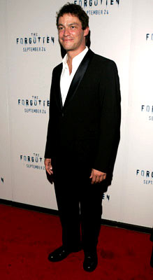 Premiere: Dominic West at the New York premiere of Revolution Studios' The Forgotten - 9/21/2004