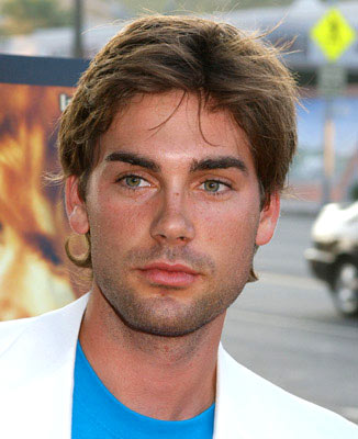 Premiere: Drew Fuller at the Hollywood premiere of Warner Independent Pictures' We Don't Live Here Anymore - 8/5/2004