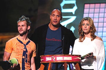 "Dominic Monaghan, Dwayne ""The Rock"" Johnson and Jessica Biel Best Action Sequence The Lord of the Rings: The Return of the King MTV Movie Awards - 6/5/2004"