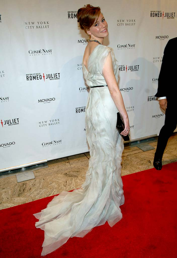 Elizabeth Banks at the New York City Ballet Presents the World Premiere of Peter Martinsí Full-Length Production of Romeo + Juliet.