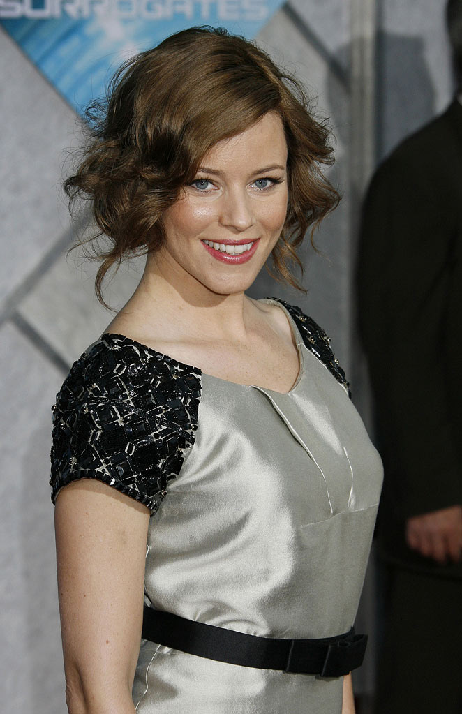"Elizabeth Banks arrives at the Los Angeles premiere of ""Surrogates"" at the El Capitan Theatre on September 24, 2009 in Hollywood, California."