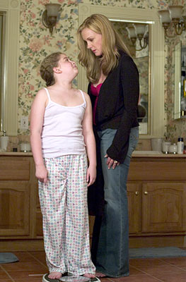 Allie Grant and Elizabeth Perkins Showtime's Weeds