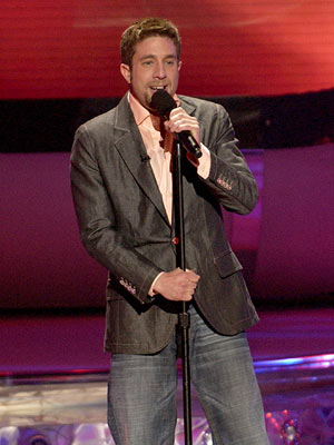 Elliott Yamin performs on May 9 FOX's American Idol