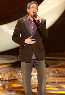 Elliott Yamin performs on April 18 FOX's American Idol