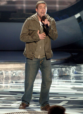Elliot Yamin performs on March 28 FOX's American Idol