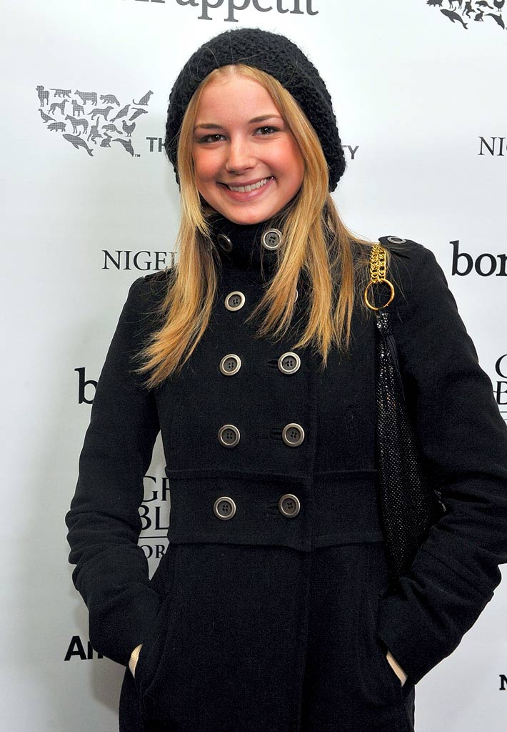 "Emily VanCamp attends the Bon Appetit Supper Club ""A Sealed Fate?"" dinner at Skylodge on January 18, 2009 in Park City, Utah."