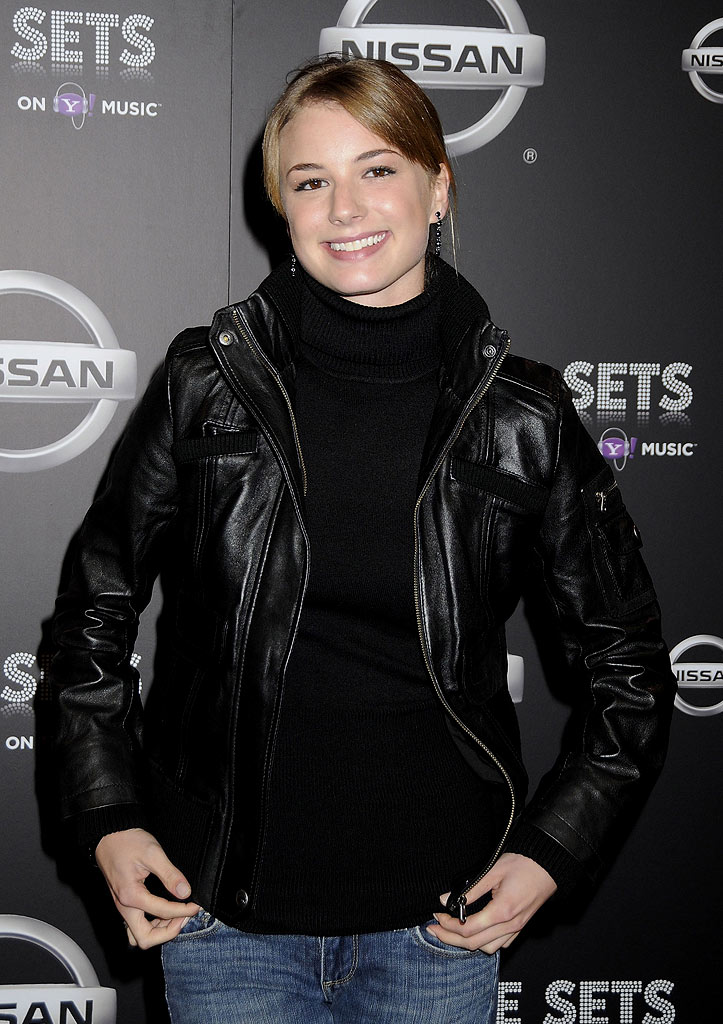 Emily VanCamp arrives at the one year anniversary celebration of 'Live Sets On Yahoo! Music' on the Fox Studios lot on November 27, 2007 in Los Angeles, California.