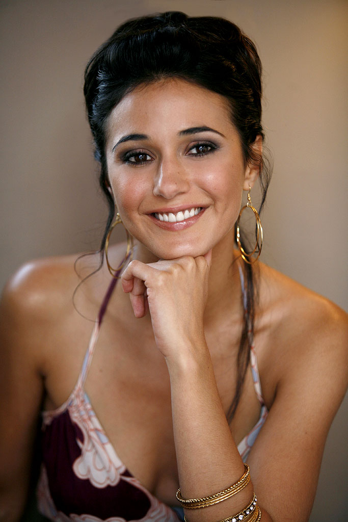 Emmanuelle Chriqui stars in Entourage on HBO.